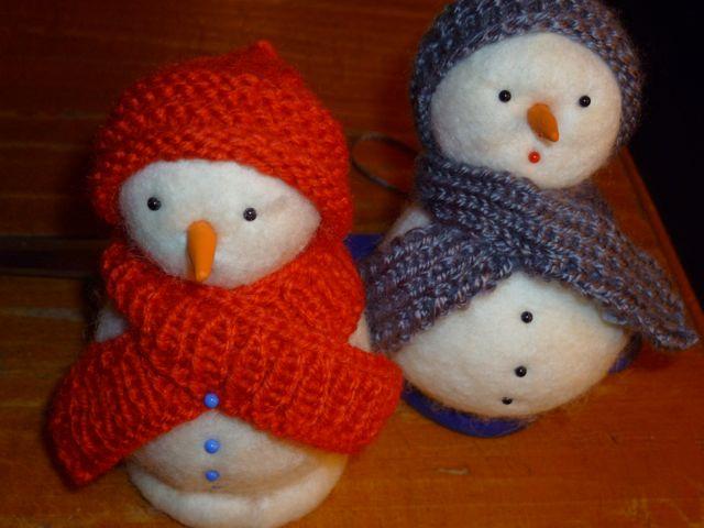 L endroit de la maille bonhommes de neige - Bonhomme de neige en laine ...