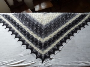 chale-blanc-noir-300x225